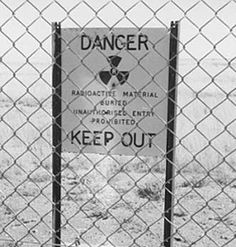 Maralinga-sign. British Nuclear Testing in Australia in the 1950s
