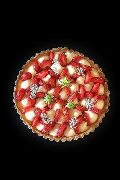 B comme Bon Tart Recipes, Cooking Recipes, Raspberry, Strawberry, Savory Tart, Custard, Fun Desserts, Biscuits, Berries