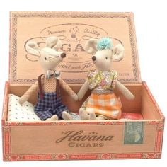 Maileg Mom and Dad Mice in a Cigarbox