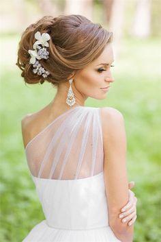 Style Ideas: 20 Modern Bridal Hairstyles for Long Hair | http://www.deerpearlflowers.com/style-ideas-20-modern-bridal-hairstyles-for-long-hair/