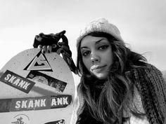 Iarna pe partie Bucket Hat, Cape, Fashion, Mantle, Moda, Cabo, Bob, Fashion Styles, Fashion Illustrations