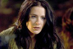 Mother Confessor - Legend of the Seeker - Bridget Regan - The most beautiful dual wielding Mage ever.