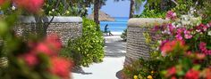 Luxury Resort Maldives | Four Seasons Resort Maldives Kuda Huraa