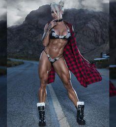 I'm going to introduce you to Larissa Reis. It is a brazilian born may IFBB Pro, but also a nutrition coach, and fitness model. Sexy Bikini, Bikini Girls, Vaquera Sexy, Pernas Sexy, Mädchen In Bikinis, Ripped Girls, Muscular Women, Muscle Girls, Gym Girls