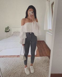 cute date outfits Cute Date Outfits, Trendy Fall Outfits, Crop Top Outfits, Winter Fashion Outfits, Cute Casual Outfits, Simple Outfits, Pretty Outfits, Stylish Outfits, Summer Outfits
