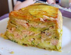 Invisible zucchini and salmon Salmon Fish Recipe, Tilapia Fish Recipes, Easy Fish Recipes, Salmon Recipes, Easy Dinner Recipes, Easy Meals, White Sauce Recipe Hibachi, White Sauce Recipes, Tart Recipes