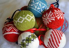 Knit Christmas tree balls - Great for friends with little kiddos or mischievous pets.