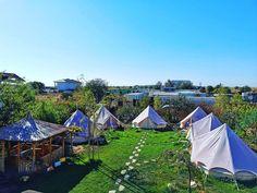 """31 aprecieri, 0 comentarii - Vlad (@vladbratualexandru) pe Instagram: """"#tent #camping #campinglife #vamaveche #sea #perfectday #beautifulday #beautiful #happy #wonderful…"""" Camping Life, Tent Camping, Beautiful Day, Cabin, Sea, House Styles, Happy, Instagram, Home Decor"""