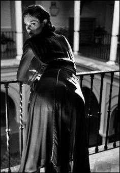 Ferdinando Scianna Spain,Seville:fashion story for Traveller with Anna-Flore TRICHINO. 2004