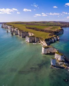 Old Harry Rocks stand directly east of Studland and north-east of Swanage, Dorset, England. Places To Travel, Places To See, Harry Rocks, Dorset Coast, Dorset England, Jurassic Coast, Costa, New Forest, Beautiful Places To Visit