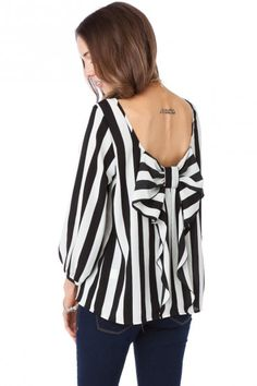 bow on back of shirt.
