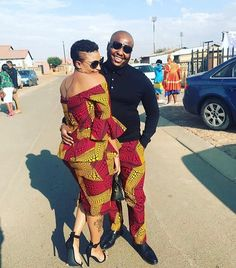 Couples African Outfits, African Wear Dresses, Pedi Traditional Attire, Traditional Outfits, African Wedding Attire, African Attire, Matching Couple Outfits, African Traditional Dresses, African Print Fashion