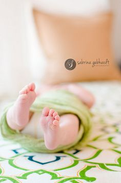lifestyle newborn at home  www.sabrinagebhardtphotography.com