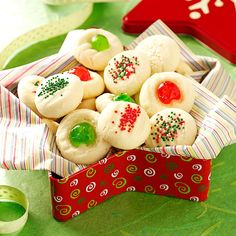 There's no better way to celebrate Christmas than baking up a few dozen shortbread cookies. Bake up a few of these handpicked shortbread recipes! Whipped Shortbread Cookies, Shortbread Recipes, Taste Of Home Shortbread Cookie Recipe, Icebox Cookies, Cookie Desserts, Cookie Recipes, Dessert Recipes, Christmas Sweets, Christmas Cooking