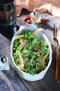 Konyakkal sült csirkemáj recept - Kifőztük, online gasztromagazin Sprouts, Vegetables, Health, Food, Health Care, Essen, Vegetable Recipes, Meals, Yemek