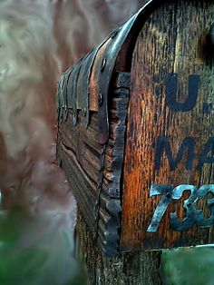 Country Style Rustic Mailbox With Metal Forging Country Mailbox, Rural Mailbox, Mailbox Post, Mailbox Ideas, Rustic Mailboxes, Unique Mailboxes, Country Style Furniture, Rustic Furniture, Art Furniture