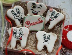 Фотография Печенье для стоматолога 40 (2323) из альбома Торты и печенье для стоматолога в разделе фотогалерея на стоматологическом портале (сайте) «Клуб стоматологов».