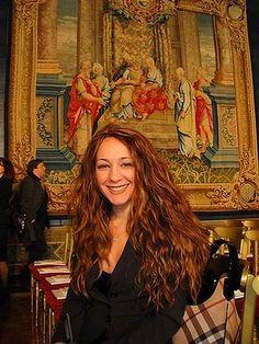 Rosy Canale, Presidente del Movimento Donne San Luca e della Locride, felice di aver raggiunto un ulteriore importante traguardo IMAGE SOURCE www.donnesanluca.org