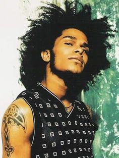 ♥ jmk says:- Maxwell - He can rock a 'fro like no one else