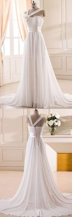Elegant A-line Sweetheart Court Train Chiffon Wedding Dress With Handmade Flower
