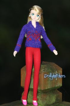 New size Fair Isle.  Fits Licca, Skipper and the younger teen Disney princesses.