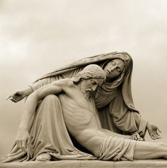 statue of Jesus with Mary Blessed Mother Mary, Blessed Virgin Mary, Catholic Art, Religious Art, La Pieta, Pieta Statue, La Salette, Queen Of Heaven, Les Religions