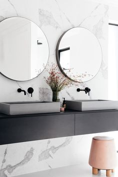 Top 5 Bathroom Trends for 2017 — Adore Home Magazine Want to create an opulent oasis at home? Look no further than our top 5 most blissful bathroom trends for Words Beth Greshwalk / This is an edited extract from Adore's Bliss Edition Bathroom Interior, Interior Design Living Room, Modern Interior, Living Room Decor, Interior Ideas, Black Bathroom Taps, Modern Bathroom, Bathroom Vanities, Black Bathrooms
