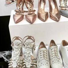 Not long now until you can choose between silver, gold, rose gold, blush pink, blue or red Florence wedding shoes... We want them all! https://video.buffer.com/v/583c58bbf0e9e47d6e241b63