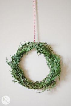 DIY #167. Mini corona de abeto/ Fir tree mini wreath