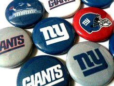NEW YORK GIANTS  nfl football pinback buttons