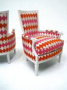 Hollywood Regency, I would despise these but I love the fabric! I used it in a project and it was fabulous. It can make the ugliest chairs (U-UM!) look like a million bucks! Funky Furniture, Painted Furniture, Home Furniture, Furniture Vintage, Love Chair, Cool Chairs, Pink Chairs, Take A Seat, My Living Room