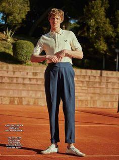 フレッドペリー白ポロシャツ×アルマーニ紺テーパードスラックス×BW sportジャーマントレーナー