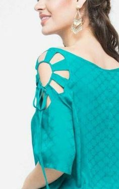 50 Latest sleeves design for kurti to try in 2019 Neck Designs For Suits, Neckline Designs, Sleeves Designs For Dresses, Blouse Neck Designs, Sleeve Designs, Style Fête, Mode Style, Kurti Sleeves Design, Kurta Neck Design