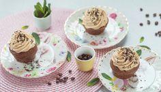 Kávové muffiny skaramelovým krémem – Tchibo Mini Cupcakes, Pudding, Food, Custard Pudding, Essen, Puddings, Meals, Yemek, Avocado Pudding