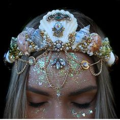 omg you guys, so these are one-of-a-kind, handmade tiaras by this shop called Chelsea's Flower Crowns. Cute Jewelry, Hair Jewelry, Cheap Jewelry, Jewelry Necklaces, Bracelets, Seashell Crown, Mermaid Crown, Magical Jewelry, Maquillage Halloween