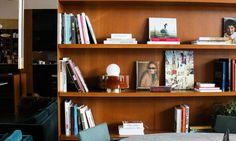 Livres Bibliothèque Salon Coworking Paris The Bureau