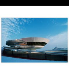Contemporary Art Museum in Niterói, Rio de Janeiro, by Oscar Nyemeier