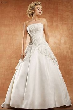 Saison Blanche Wedding Gown - Couture Collection - Style #4143