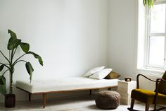 daybed with a midcentury vibe Scandinavian Living, Daybed, Interior Styling, Interior Inspiration, Objects, Mid Century, Living Room, Search, Furniture