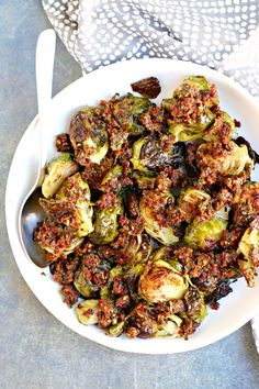 Pesto Brussels Sprouts with Sun-Dried Tomatoes is a flavorful side dish that's easy to make. (vegan and GF with nut-free option) Vegetable Recipes, Vegetarian Recipes, Healthy Recipes, Vegan Vegetarian, Vegetarian Thanksgiving, Veggie Dishes, Shredded Brussel Sprouts, Brussels Sprouts, Side Recipes