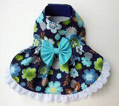 Arnés-vestido floral para perro pequeño. por JinsK9Kreations