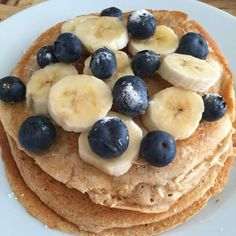 Gezonde kwarkpannenkoekjes – Food And Drink Best Breakfast Smoothies, Savory Breakfast, Healthy Smoothies, Healthy Snacks To Make, Healthy Low Carb Recipes, Tefal Snack Collection, Easy Diner, Baking Recipes, Snack Recipes