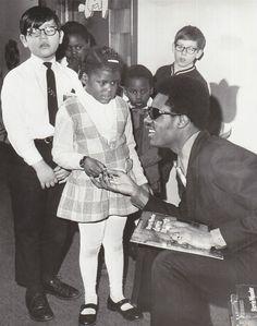 Stevie Wonder, isn't this just so beautiful? Black Is Beautiful, Beautiful People, Soulful Christmas, Jackson Browne, Nina Simone, Jack Johnson, Stevie Wonder, Bob Marley, Historical Photos