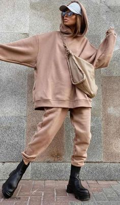 Cute Fall Outfits, Sporty Outfits, Winter Fashion Outfits, Autumn Winter Fashion, Cool Outfits, Loungewear Outfits, Everyday Outfits, Casual Chic, Louis Vuitton