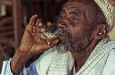 """""""ndiyam"""" is a project about the handling of water. Photography Projects, National Geographic Photos, Your Shot, Amazing Photography, Documentaries, Scene, Portrait, Water, Pictures"""