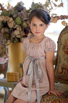 Yo en casa tengo dos princesas que cumplirán 5 años en mayo así que cuando descubrí hace 2 años esta firma de ropa de niños los ojos me hic...