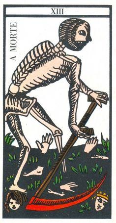 Carta Tarot para 26-05-2015  Hoje o dia é bom para reflexão e renovação. Está na hora de começar a pensar naquilo que o limita, quais os seus obstáculos ou barreiras e, principalmente, no que o deixa frustrado ou insatisfeito. Está na hora de começar a cortar e a deitar fora aquilo que impede a sua realização pessoal.   A carta tarot de hoje, a morte, indica que todos nós temos o poder de regeneração e de cura, mas para lá chegarmos temos que fazer cortes, de abrir feridas. Não tenha medo de…