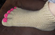 Hilarious Pedicure Toe Slippers crochet PDF pattern - I htink it would be even funnier with a fuzzy yarn on top so they look like hobbit feet