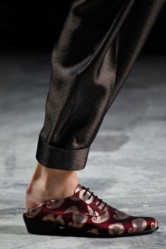 Haider Ackermann Spring 2012 Ready-to-Wear Collection - Vogue Uk Fashion, Fashion Details, Fashion Shoes, Spring Fashion, Womens Fashion, Fashion Days, Me Too Shoes, Men's Shoes, Shoe Boots
