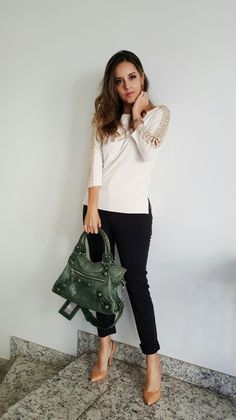 Look da Camis | Camila Gomes | Sim, Senhorita | Blusa Zara, Calça Alexandre Herchcovitch para C&A, Scarpin Zara, Bolsa…